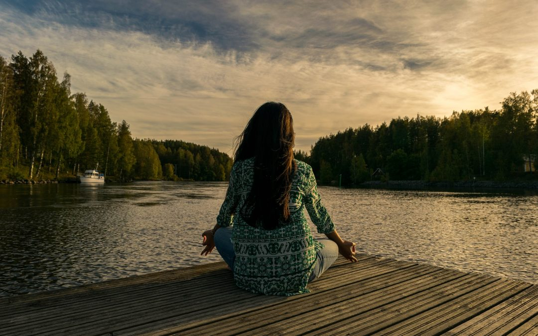 HOW TO PRACTICE MINDFULNESS TO ACHIEVE HORMONE BALANCE
