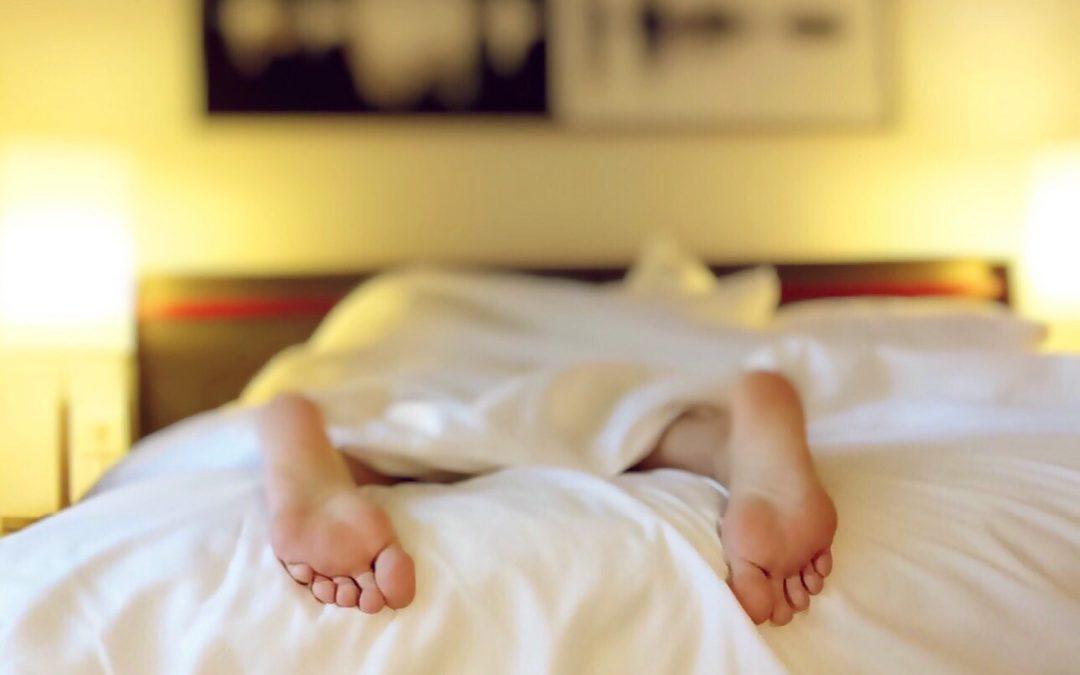 WOMEN'S HORMONES, SLEEP AND HERBAL REMEDIES – 5 BEST HERBS FOR SLEEPLESSNESS